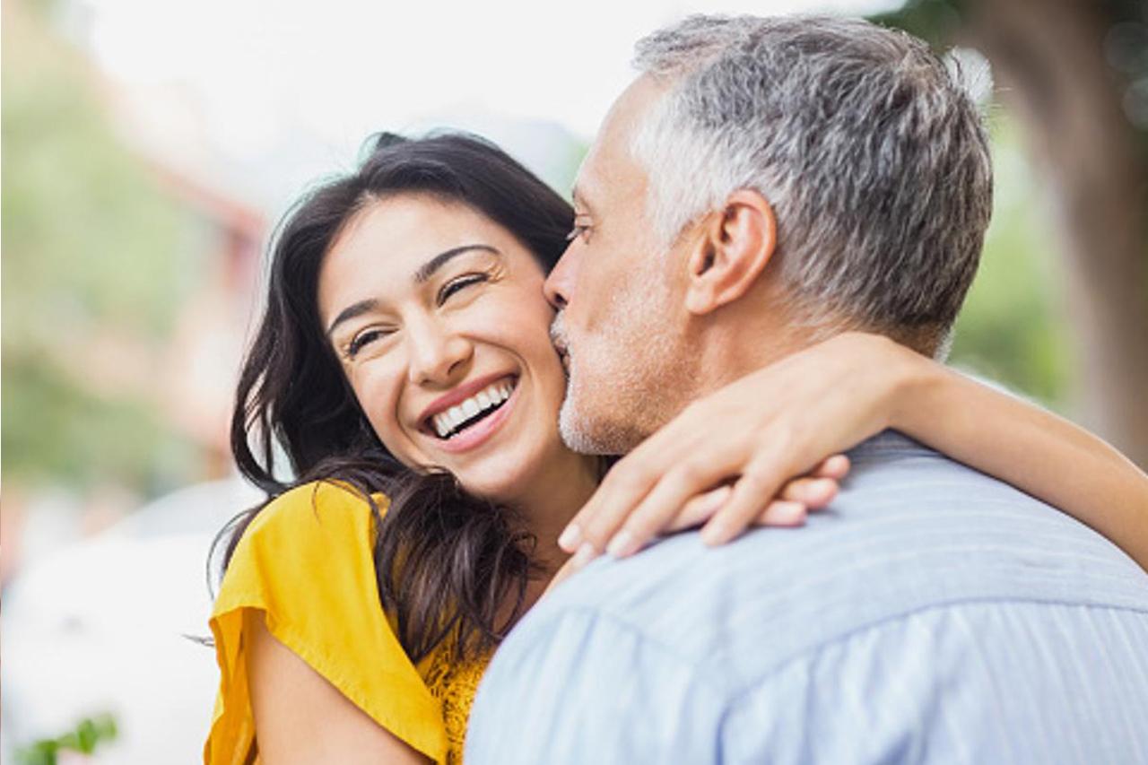 Lehet valódi és tartós barátság vagy kapcsolat az Y és a Z generáció tagjai között?