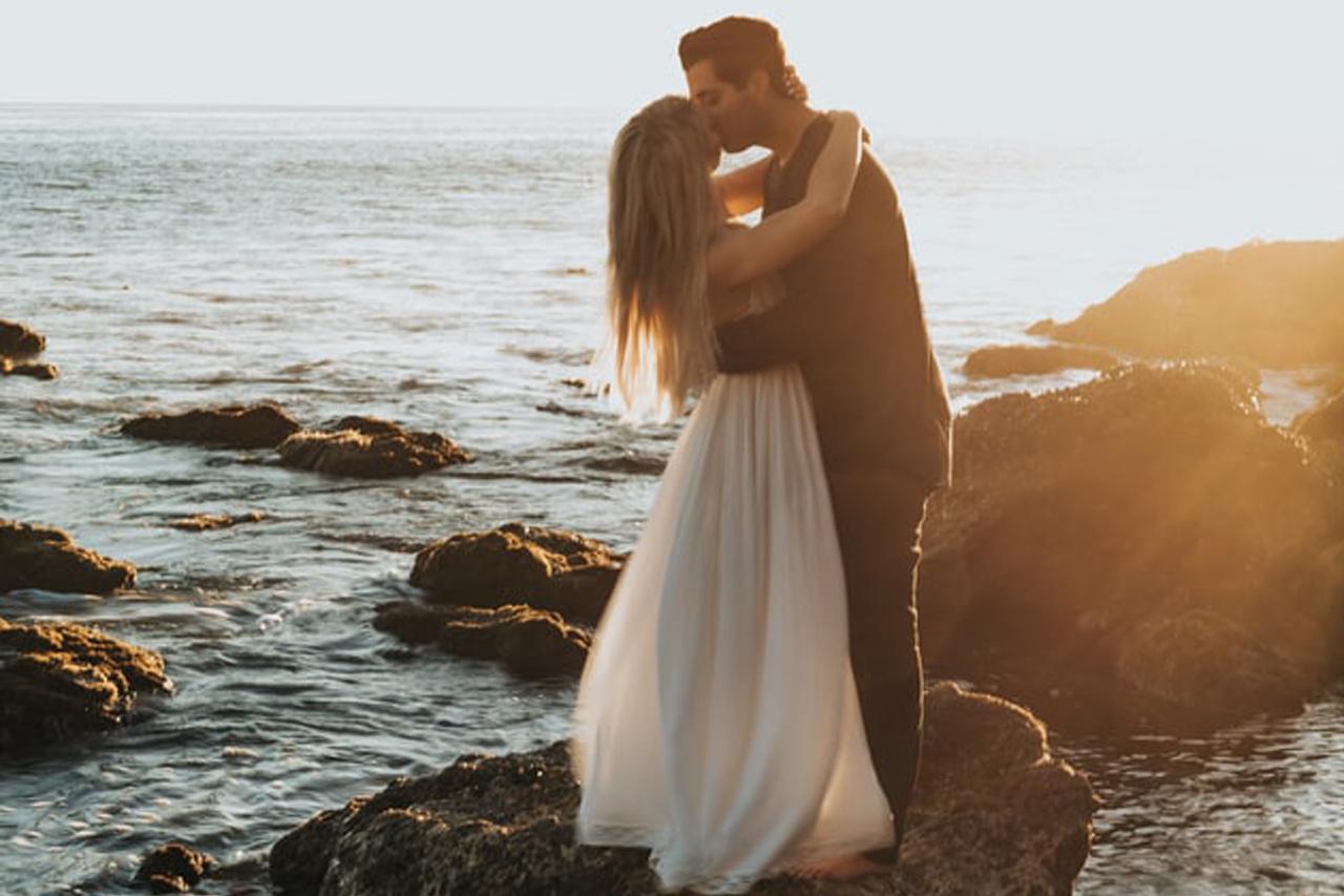 Létezik még sírig tartó szerelem vagy ne is álmodjunk róla?